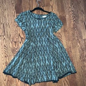 Green pattern shift dress